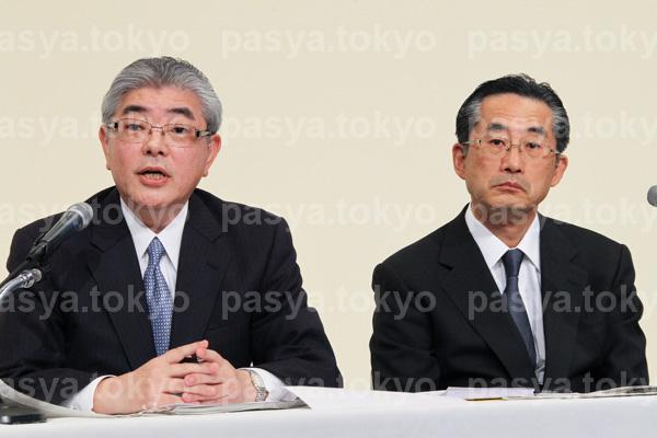 朝日新聞社、新社長に渡辺雅隆氏、新会長に飯田真也氏、就任会見